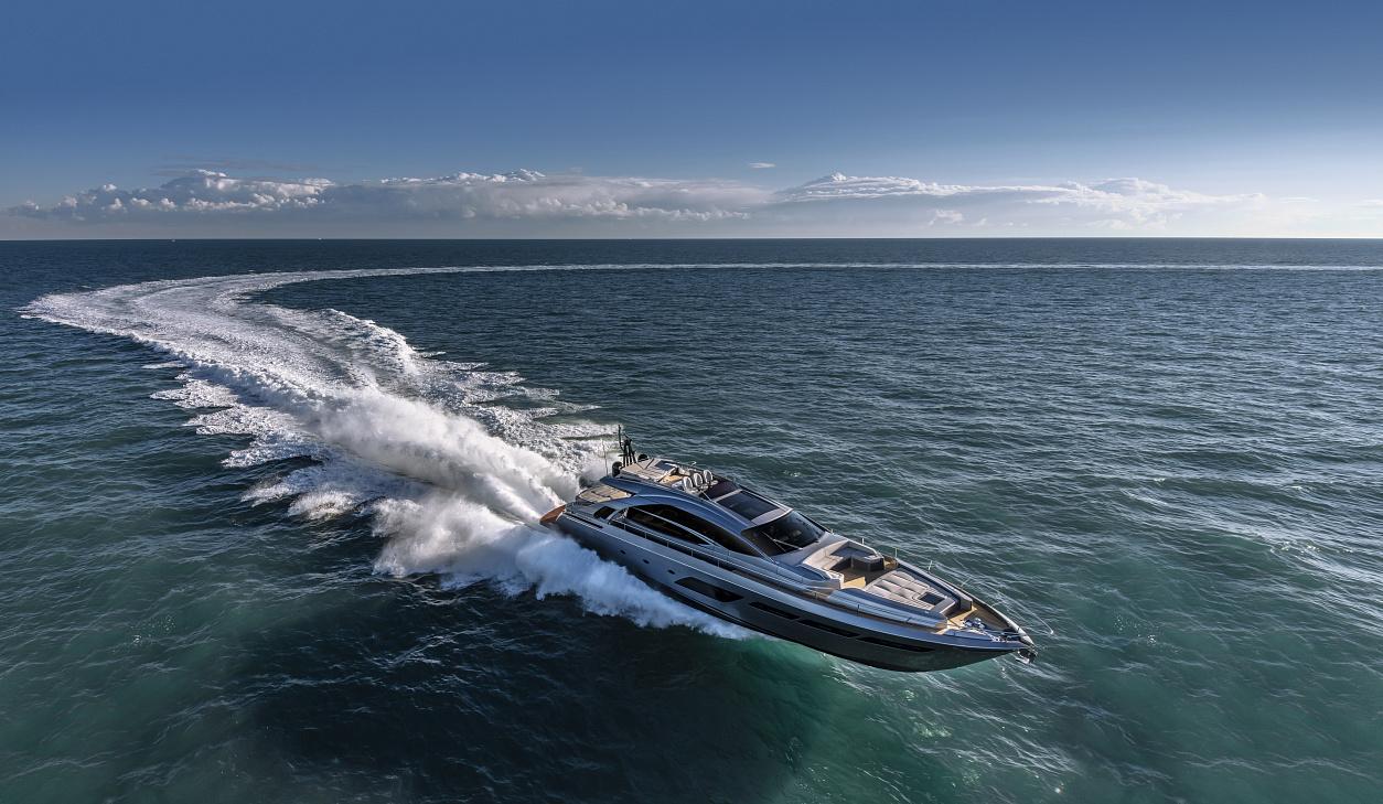 яхта Pershing 8X
